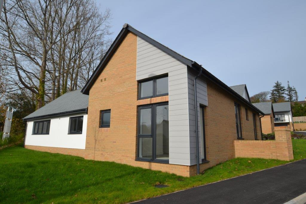 3 Bedrooms Detached Bungalow for sale in Clevelands Park, Northam