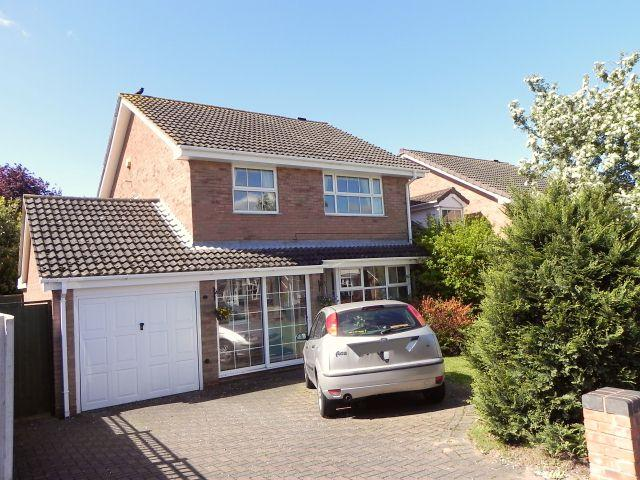 4 Bedrooms Detached House for sale in Newmarsh Road,Minworth,Sutton Coldfield