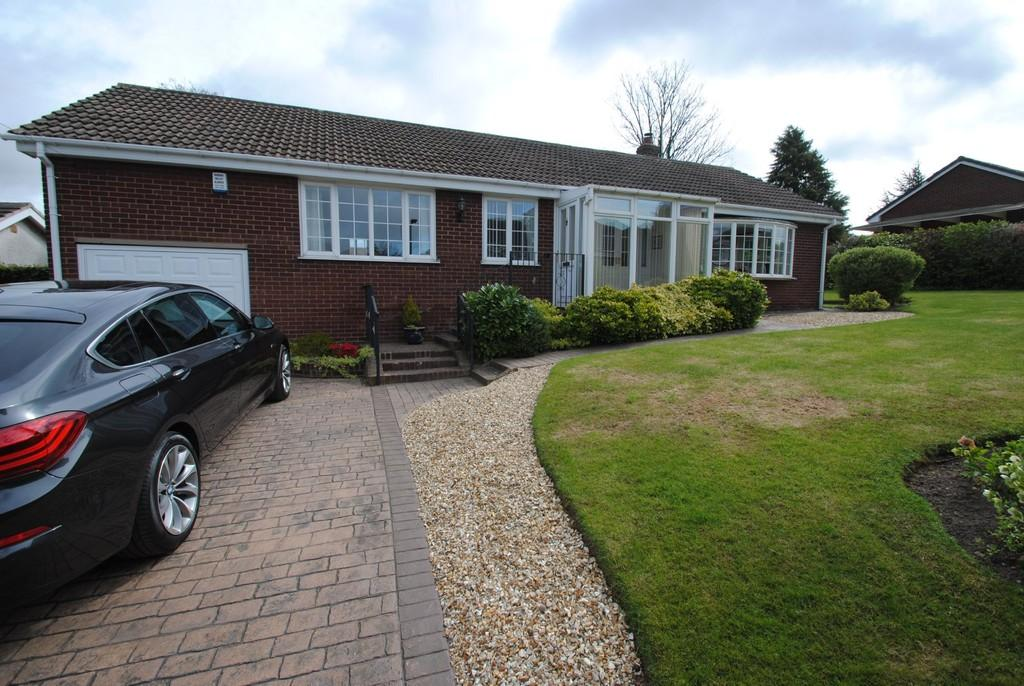 3 Bedrooms Detached Bungalow for sale in St James Drive, Old Ravenfield