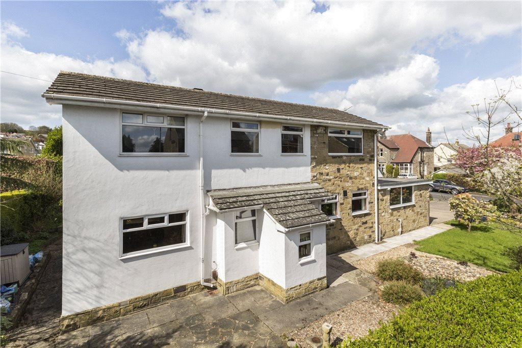 4 Bedrooms Detached House for sale in West Lane, Baildon, West Yorkshire