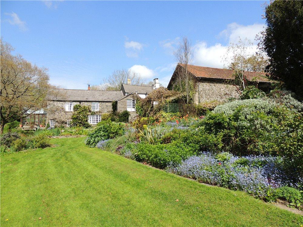 5 Bedrooms Detached House for sale in Bickington, Newton Abbot, Devon, TQ12