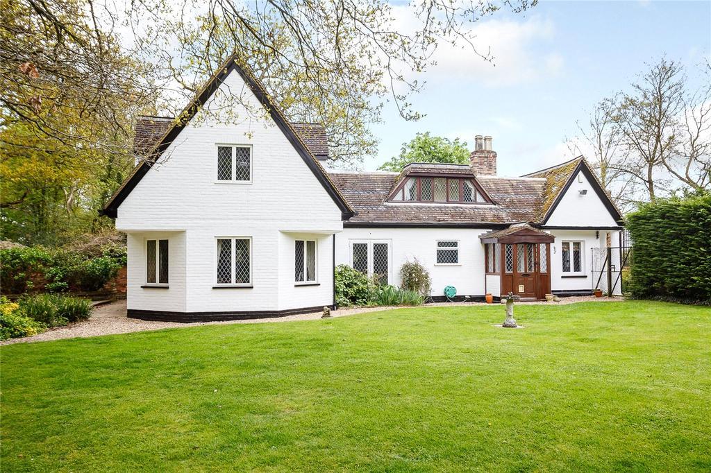 3 Bedrooms Detached House for sale in Stagenhoe Park, St. Pauls Walden, Hitchin, Hertfordshire