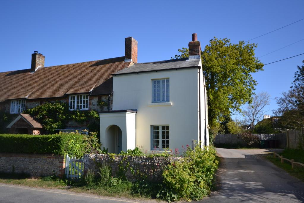 2 Bedrooms Cottage House for sale in Pound Road, West Wittering