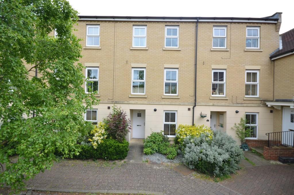 3 Bedrooms Terraced House for sale in Mortimer Way, Witham