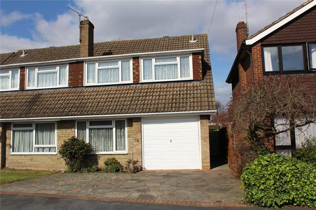 4 Bedrooms Semi Detached House for sale in Thorncroft, Hornchurch, RM11