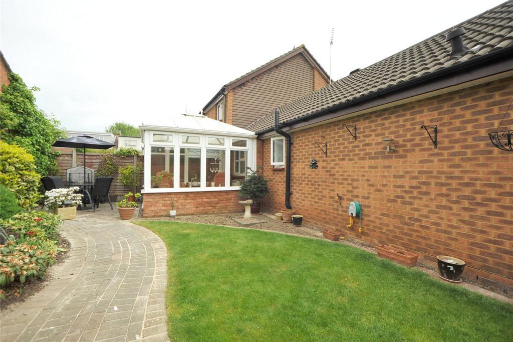 1 Bedroom Semi Detached Bungalow for sale in Victors Crescent, Hutton, Brentwood, Essex, CM13