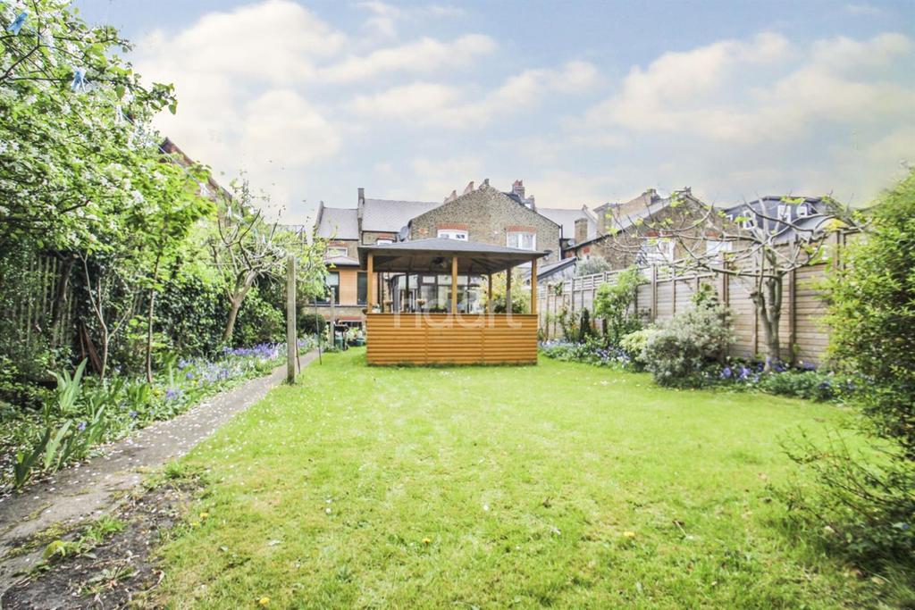 8 Bedrooms Semi Detached House for sale in Earlsfield Road, Earlsfield