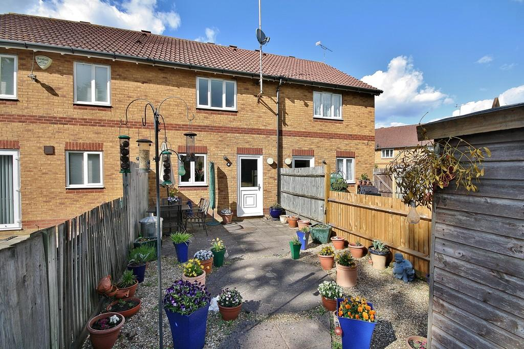 2 Bedrooms Terraced House for sale in Knaphill, Woking