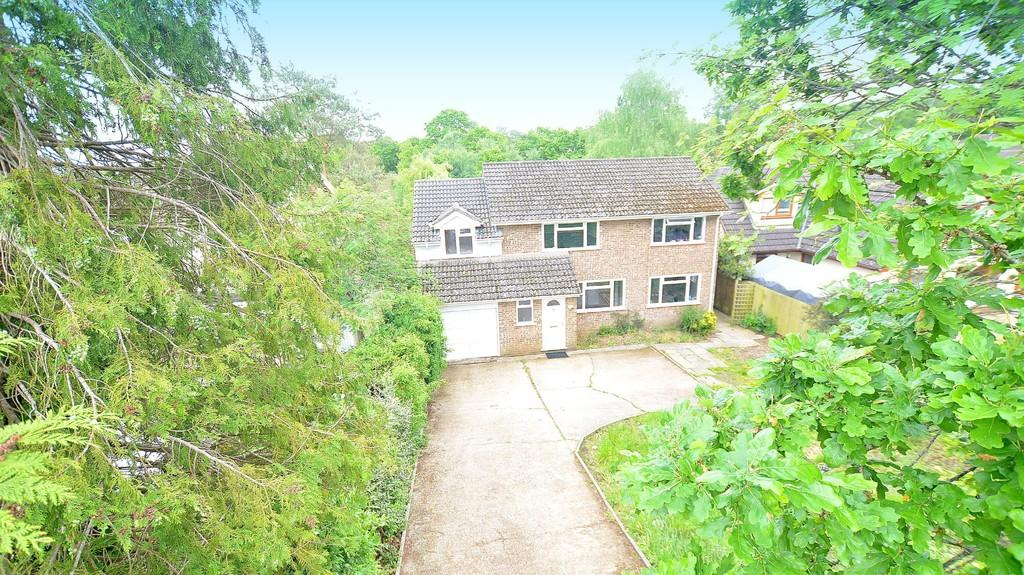 5 Bedrooms Detached House for sale in Pilford Heath Road, Wimborne