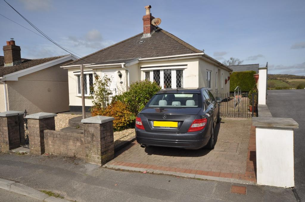 2 Bedrooms Detached Bungalow for sale in Warren Cottage, 34 Heol Rhosybonwen, Cefneithin SA14 6TF