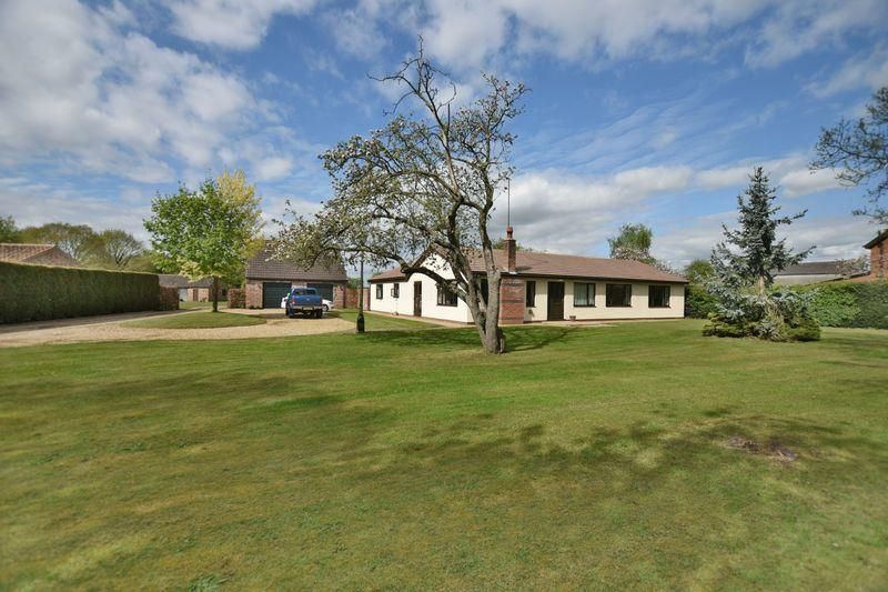 4 Bedrooms Detached Bungalow for sale in Wigsley Road, Thorney, Newark