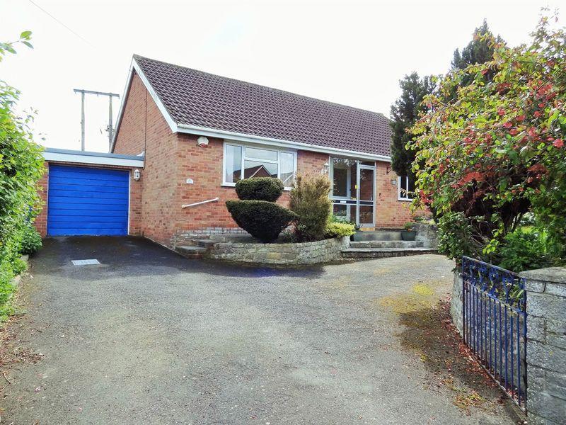 3 Bedrooms Detached Bungalow for sale in Woolavington Hill, Woolavington