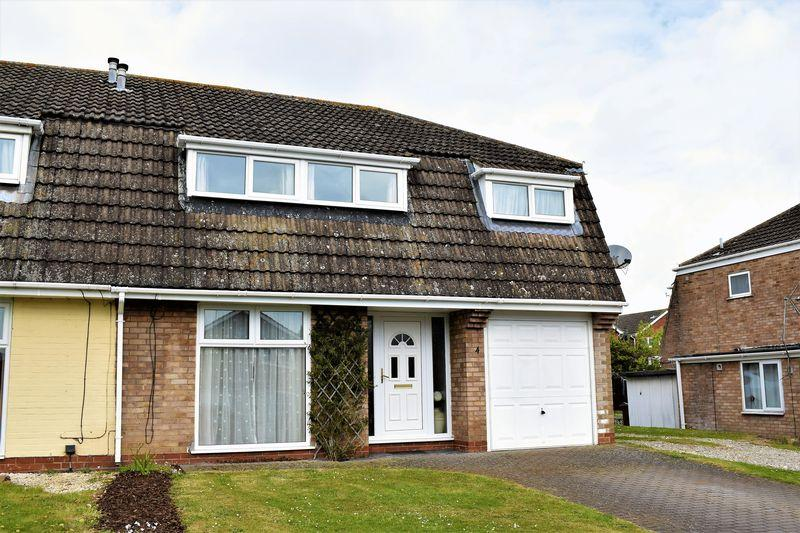 4 Bedrooms Semi Detached House for sale in Dane Close, Broughton