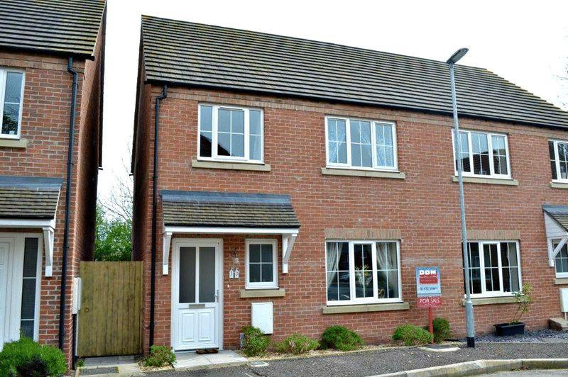 3 Bedrooms Semi Detached House for sale in Galba Road, Caistor