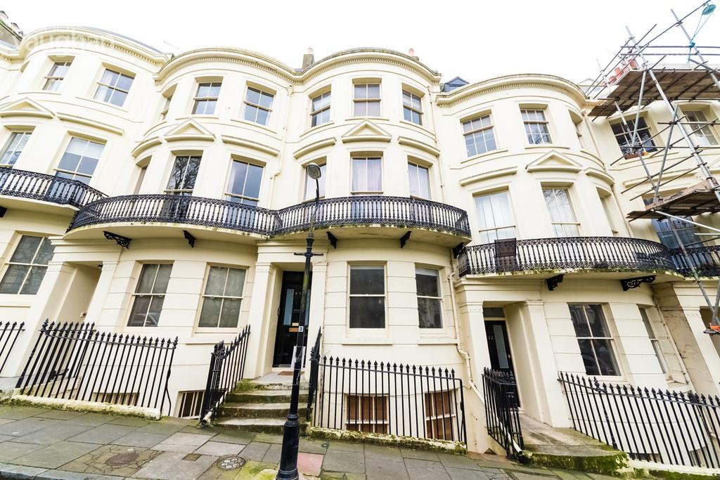 1 Bedroom Flat for sale in Powis Square, Brighton, Brighton, BN1
