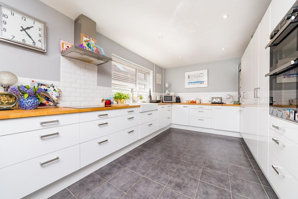 4 Bedrooms Detached House for sale in Falmer Road, Brighton, BN2