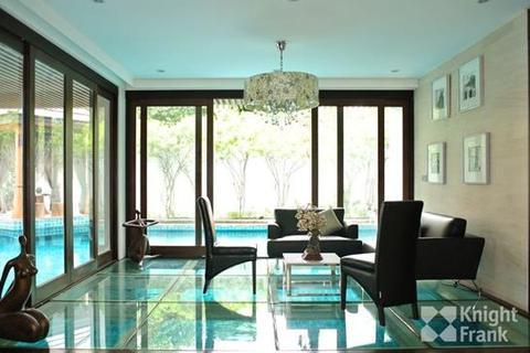 8 bedroom house  - Resort In Town Asoke, 2058 sq.m