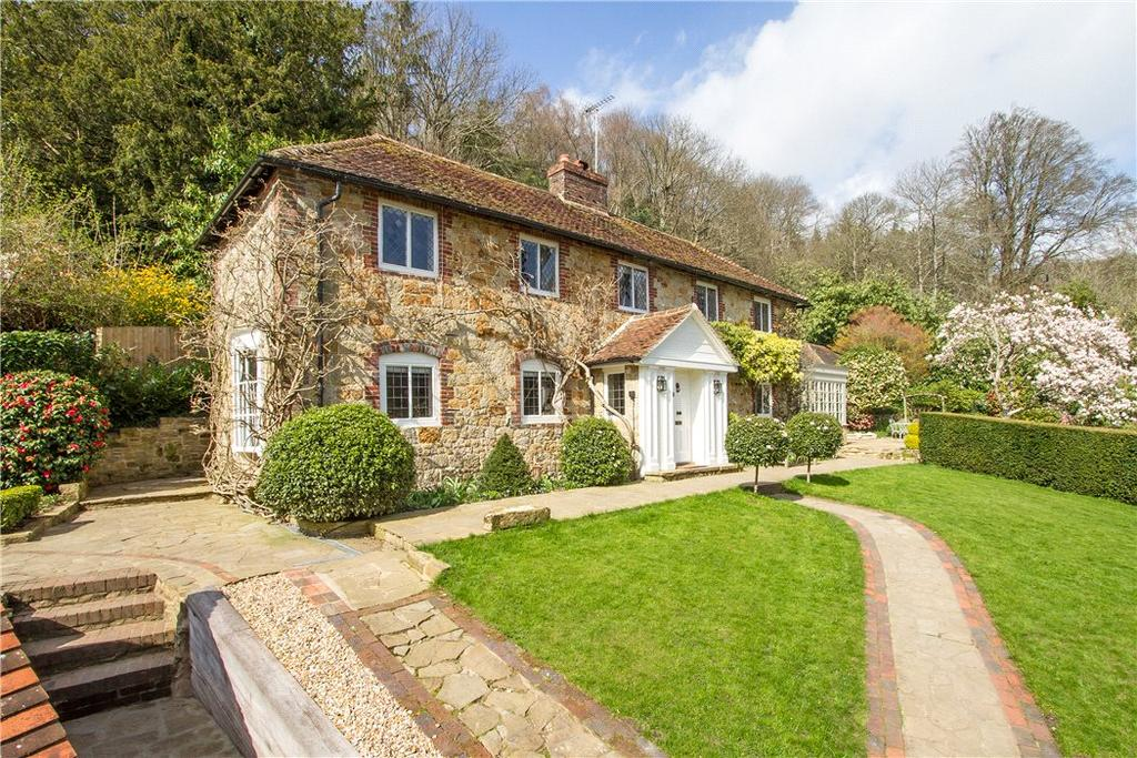 4 Bedrooms Detached House for sale in Milland, Liphook, Hampshire, GU30