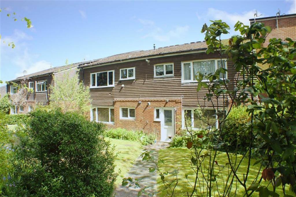 2 Bedrooms Flat for sale in Hickling Way, Harpenden, Hertfordshire, AL5