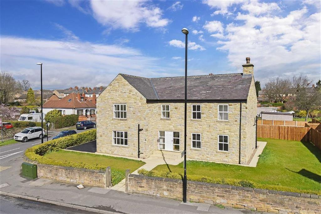 3 Bedrooms Detached House for sale in Calverley Road, Oulton, LS26