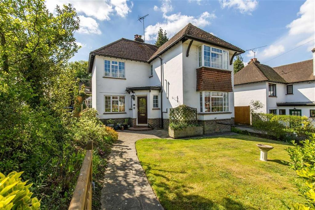 4 Bedrooms Detached House for sale in Snatts Hill, Oxted, Surrey