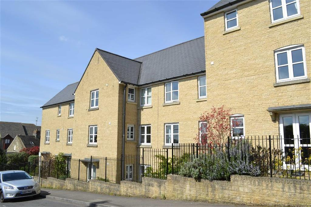 1 Bedroom Flat for sale in Norton Green Court, Chipping Norton, Oxfordshire