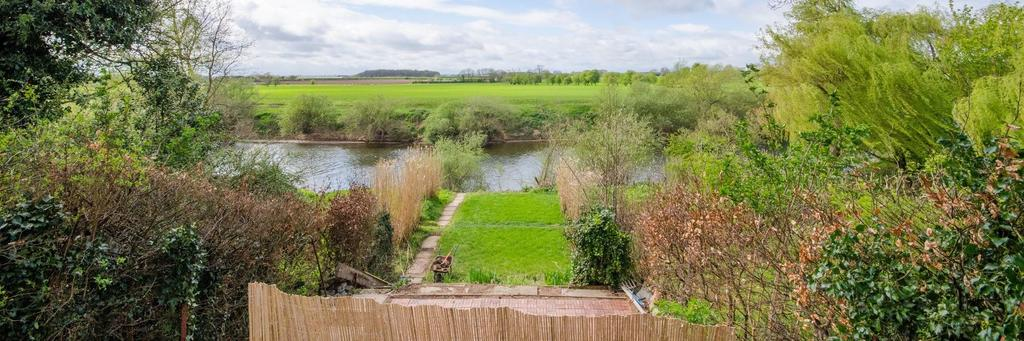 4 Bedrooms Retirement Property for sale in The Poplars, Newton On Ouse, York