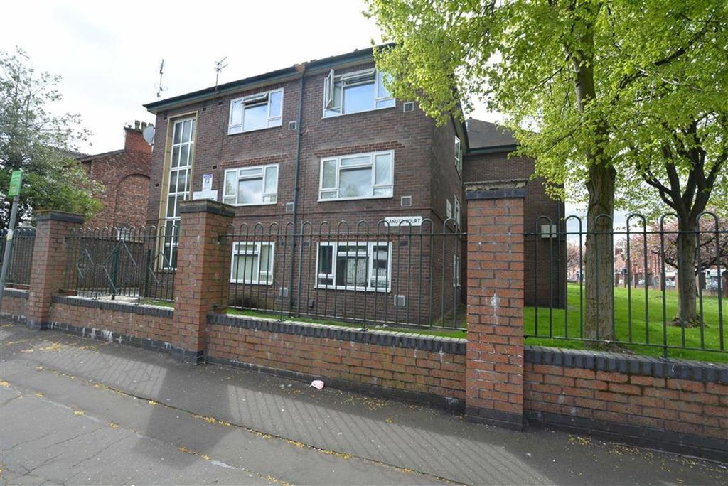 2 Bedrooms Flat for sale in Canute Court, STRETFORD