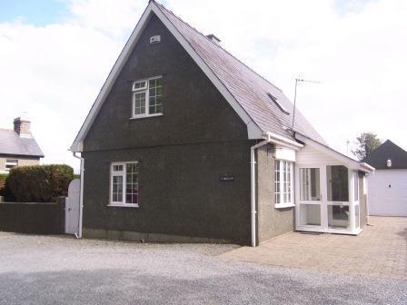 2 Bedrooms Detached Villa House for sale in Y Berllan, Minffordd LL48