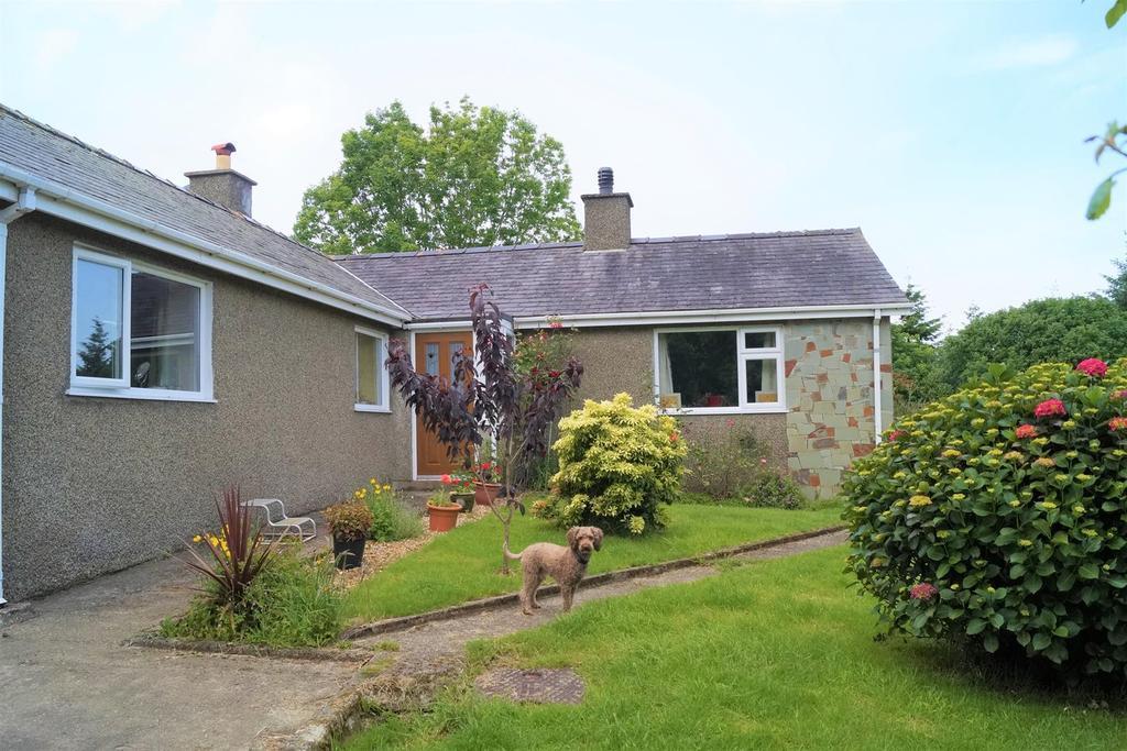 3 Bedrooms Detached Bungalow for sale in Boduan, Pwllheli