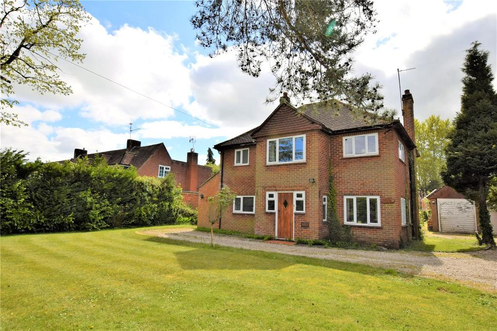 4 Bedrooms Detached House for sale in Reading Road, Burghfield Common, Reading, Berkshire, RG7