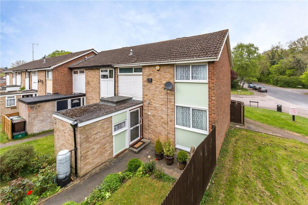 3 Bedrooms End Of Terrace House for sale in Hobart Walk, St. Albans, Hertfordshire