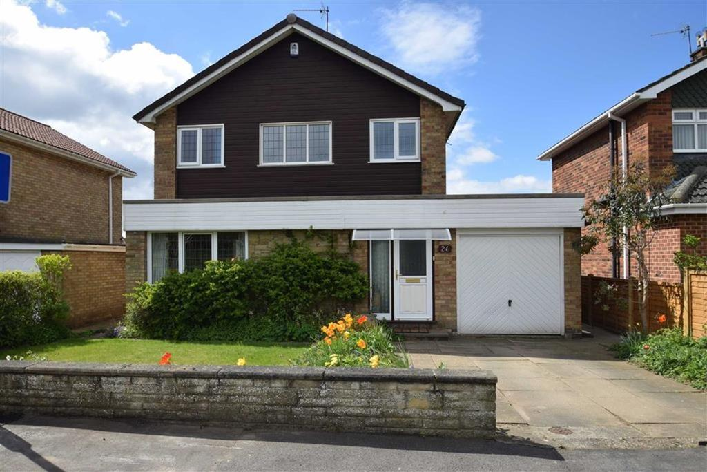 3 Bedrooms Detached House for sale in Cloverley Road, Bridlington, East Yorkshire, YO16