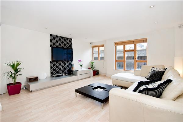 3 Bedrooms Flat for sale in REDAN PLACE, BAYSWATER, W2