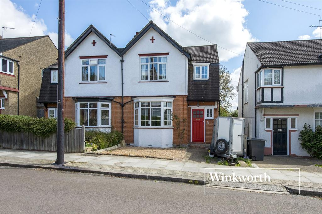 3 Bedrooms Semi Detached House for sale in Cedar Lawn Avenue, Barnet, Herts, EN5