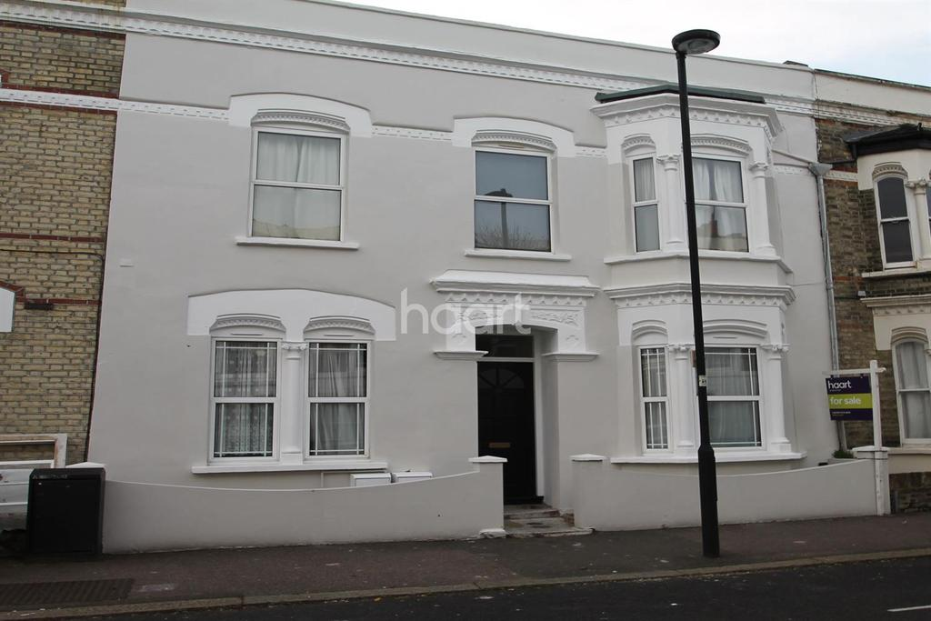 2 Bedrooms Flat for sale in Elm Park, Brixton, SW2