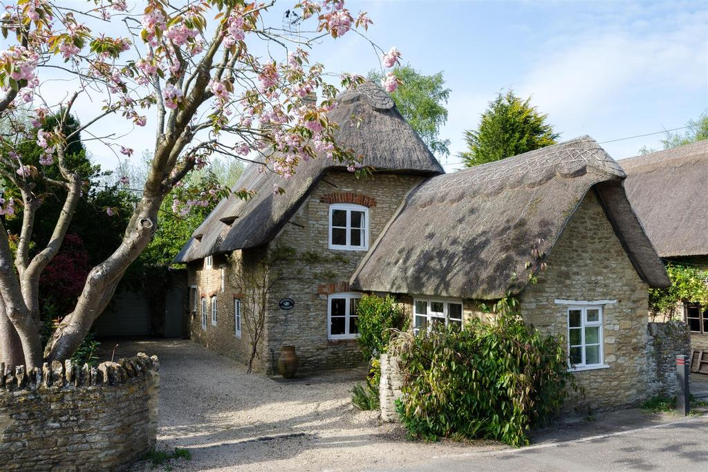 3 Bedrooms Cottage House for sale in Summerside, Buckland, Faringdon