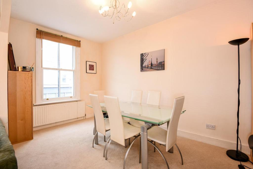 3 Bedrooms Maisonette Flat for sale in Dawes Road, Fulham, SW6