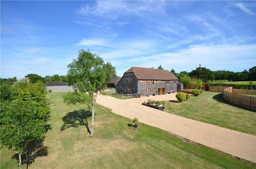 4 Bedrooms Detached House for sale in The Haven, Billingshurst, West Sussex, RH14