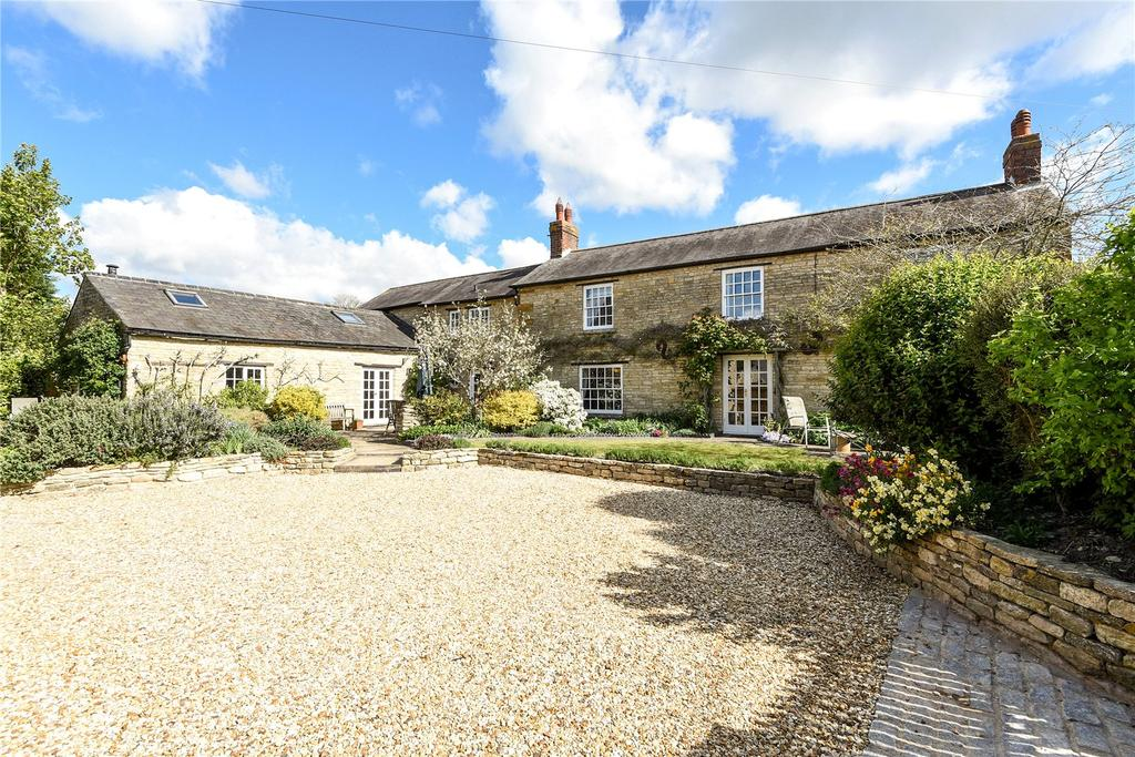 4 Bedrooms Detached House for sale in Park Road, Hartwell, Northamptonshire, NN7