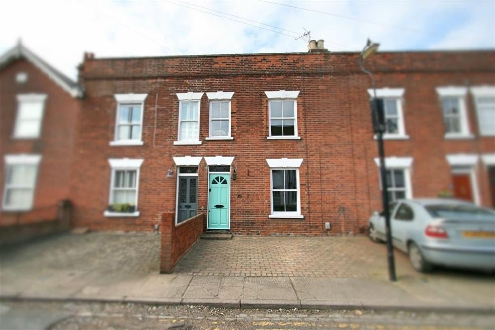 3 Bedrooms Terraced House for sale in Manor Road, COLCHESTER, Essex