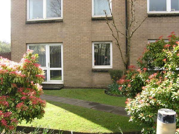 1 Bedroom Retirement Property for sale in Flat 8, Homeburn House, 177 Fenwick Road, Giffnock, Glasgow, G46 6JD