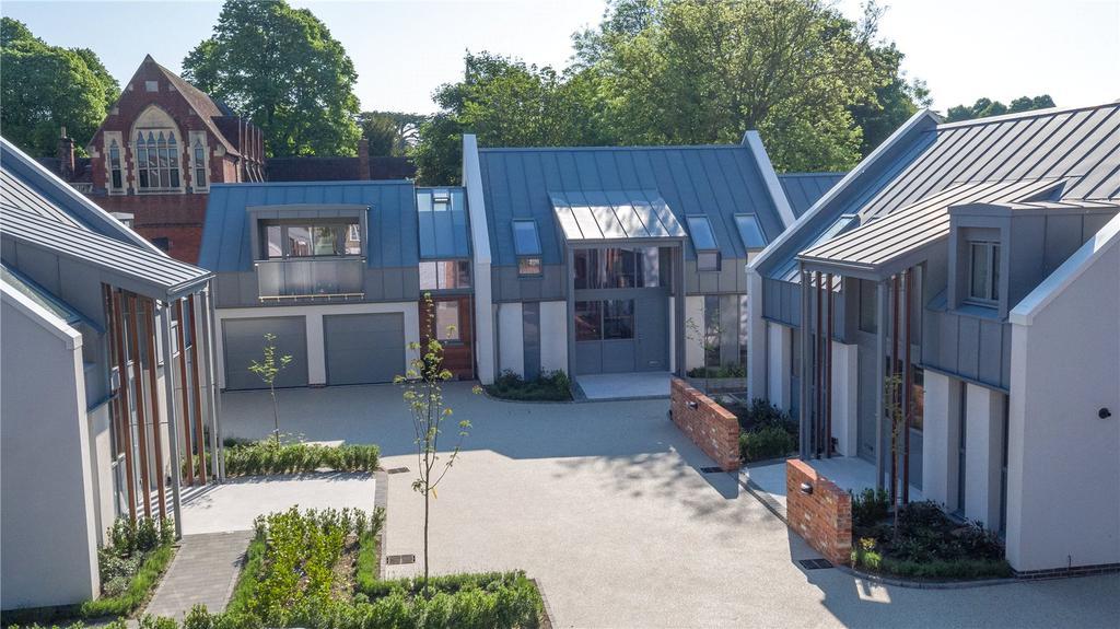 5 Bedrooms Detached House for sale in Belle Vue Court, Salisbury, Wiltshire, SP1