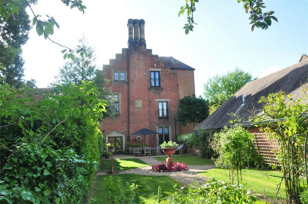 2 Bedrooms Flat for sale in 5 Hadham Hall, Little Hadham