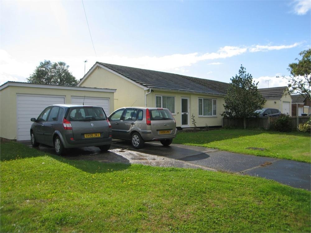 3 Bedrooms Semi Detached Bungalow for sale in Kynaston Road, Panfield, BRAINTREE, Essex