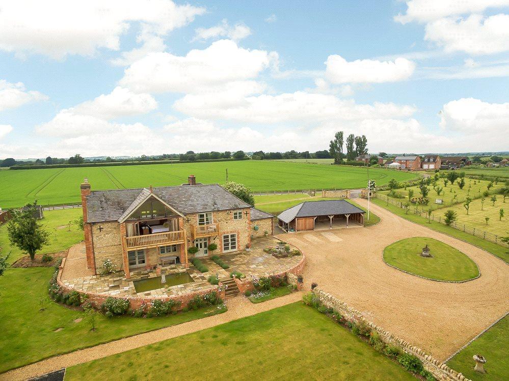 5 Bedrooms Detached House for sale in Pavenham, Bedford, Bedfordshire