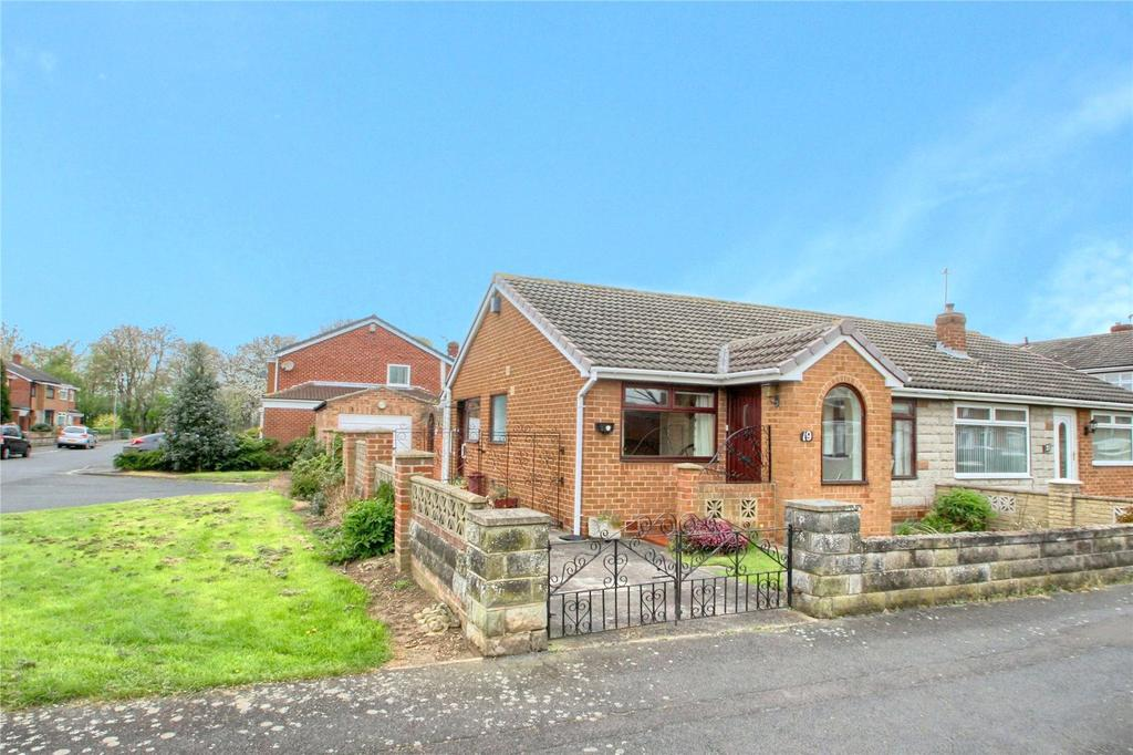 2 Bedrooms Semi Detached Bungalow for sale in Charrington Avenue, Thornaby