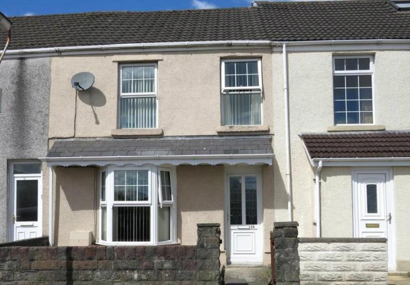 3 Bedrooms Terraced House for sale in Smyrna Street, Plasmarl, Swansea.