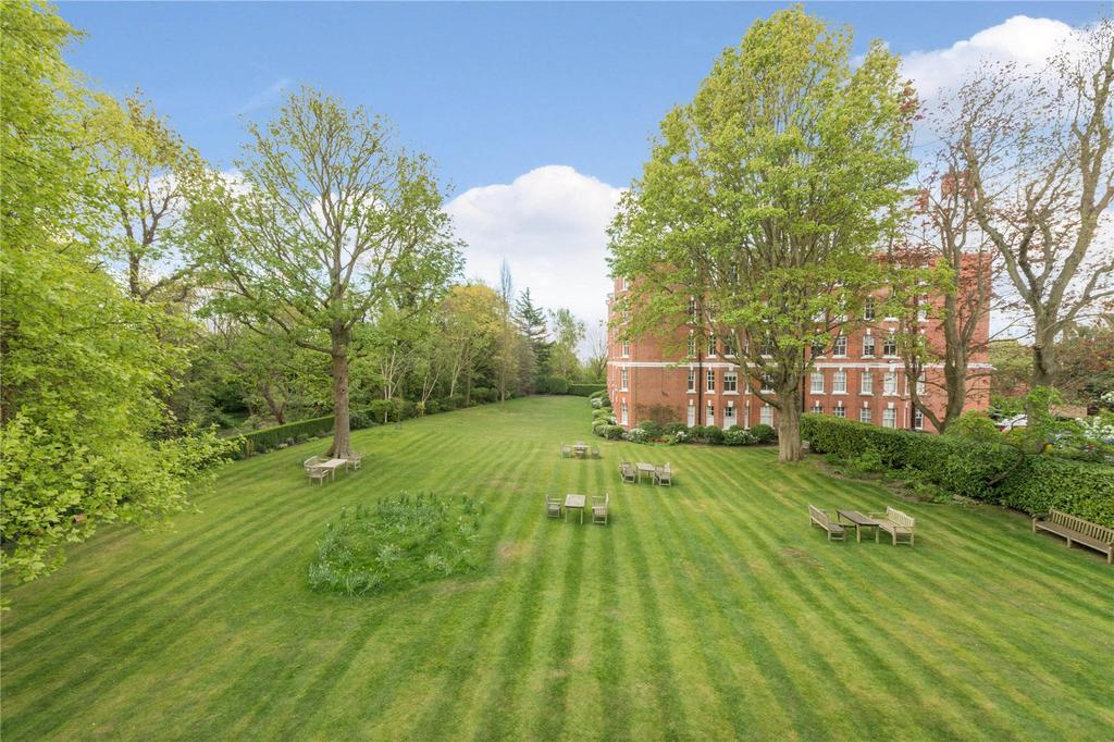 4 Bedrooms Flat for sale in The Pryors, East Heath Road, Hampstead, London