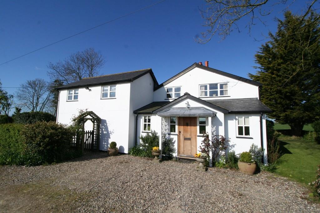 4 Bedrooms Detached House for sale in Near Saxmundham, Suffolk